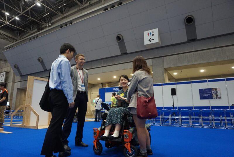 Участие колясок ступенькоходов в выставке H.C.R. в Токио