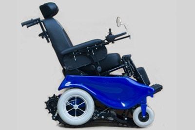 Кресло-коляска на гусеницах
